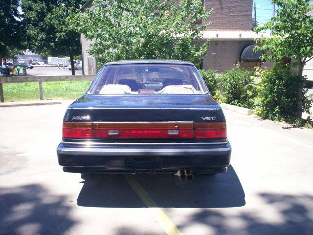 1990 Acura Legend 2.5T AWD Sedan