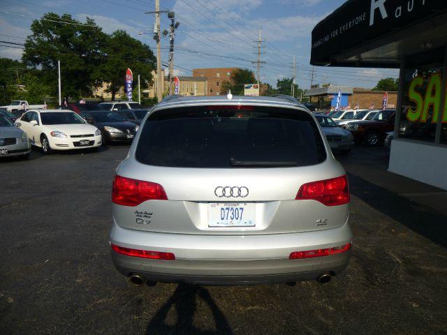2008 Audi Q7 4dr Sdn GS Plus