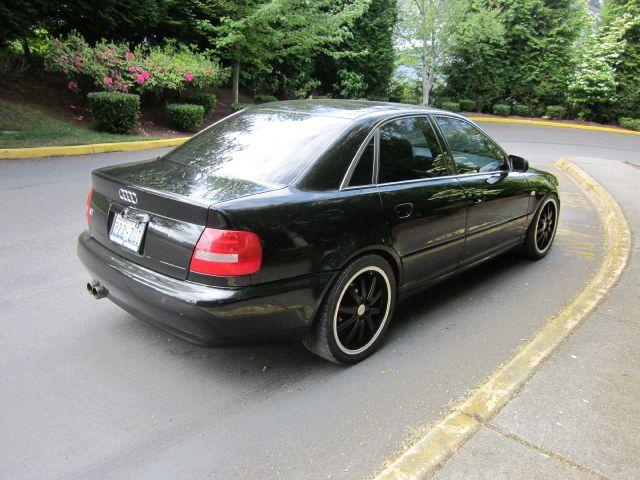 2001 Audi S4 29