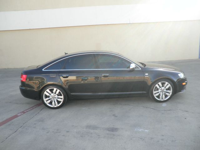 2008 Audi S6 4x4 Z71w/ Heated Leather, Trailer Towbose Sound