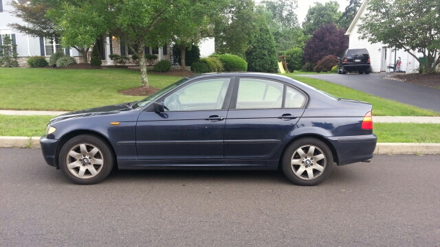 2003 BMW 3-Series 2WD 4dr Heat