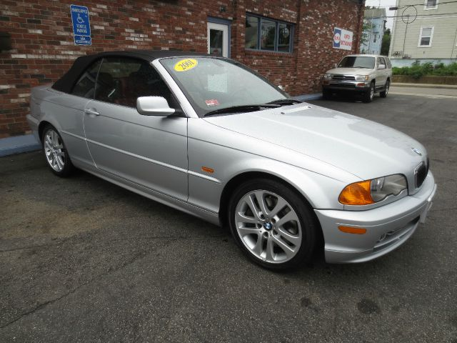 2001 BMW 330 W/6-passenger Seating