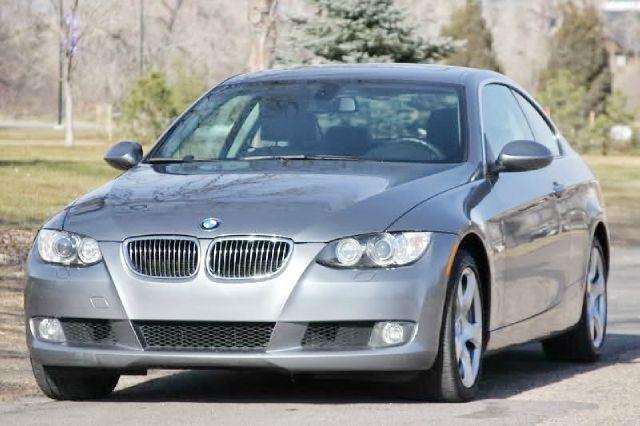 2008 BMW 3 series 4X4 Sunroof, Leather
