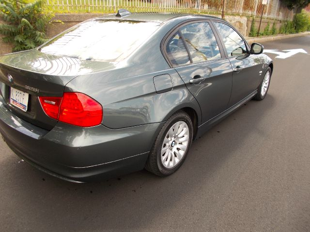 2009 BMW 3 series 2WD Ext Cab Manual