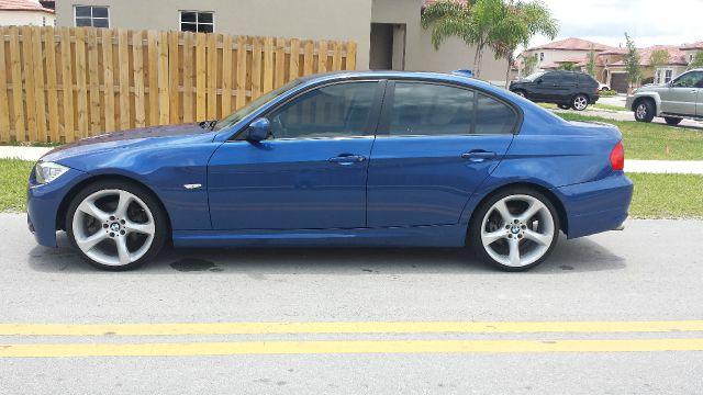 2010 BMW 3 series 29