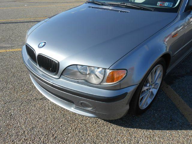 2003 BMW 3 series 4WD 4dr Heat