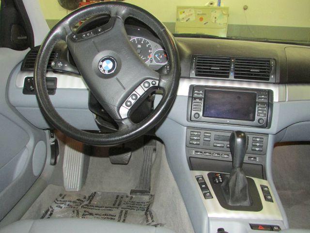 2004 BMW 3 series 4WD 4dr Heat
