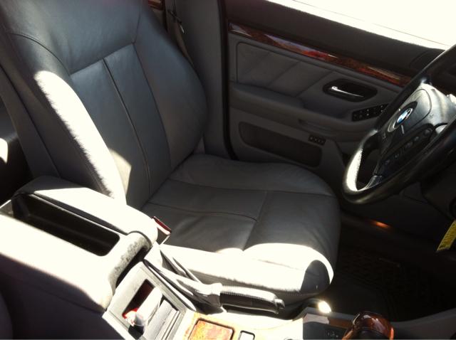 2001 BMW 5-Series Sport Wagon I6 Turbo