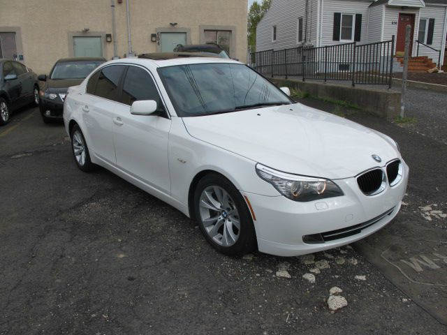 2009 BMW 5 series T6 AWD Leather Moonroof Navigation