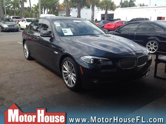 2011 BMW 5 series Luxury Premier