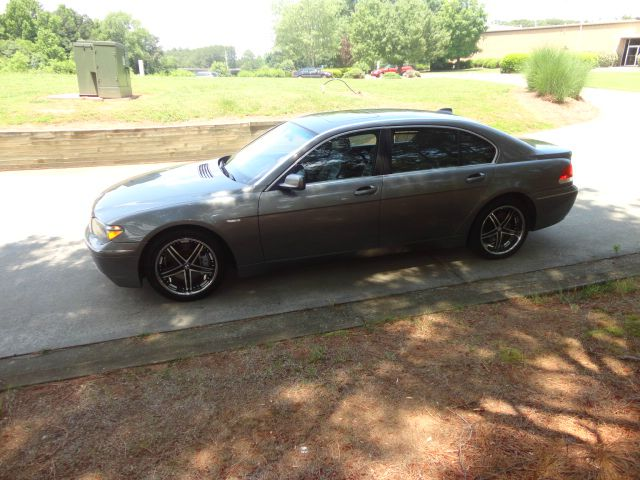 2003 BMW 7 series 4dr 2.5L Turbo W/sunroof/3rd Row AWD SUV