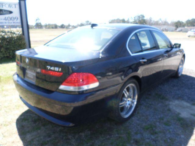 2005 BMW 7 series XLT 4x4 W/leather