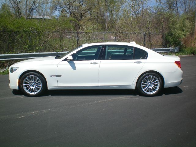 2011 BMW 7 series 3.2 V6 NAV