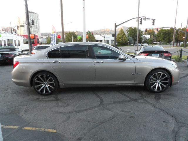 2012 BMW 7 series Sport - 4x4 Loaded
