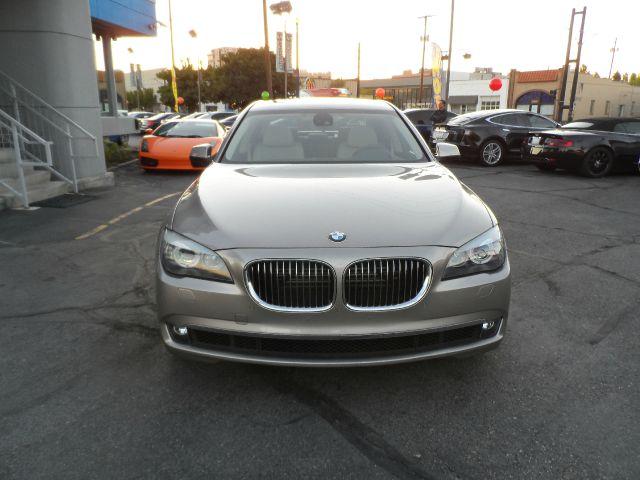 2012 BMW 7 series Sport - 4x4 Loaded