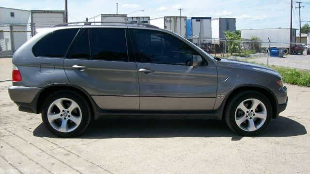 2004 BMW X5 4dr 2.5L Turbo W/sunroof/3rd Row AWD SUV