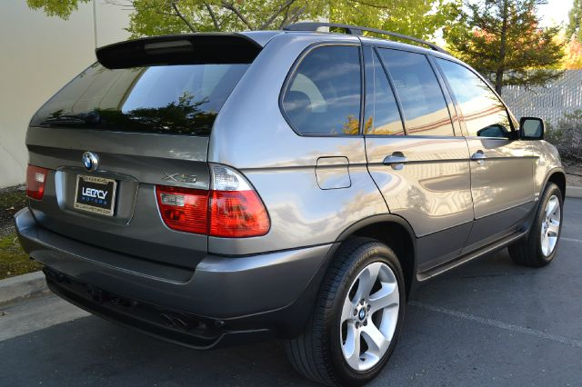 2005 BMW X5 2007 Mazda Mazda3