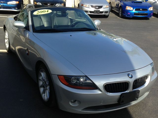 2004 BMW Z4 XLT