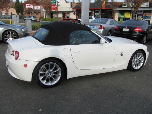 2005 BMW Z4 2 Door