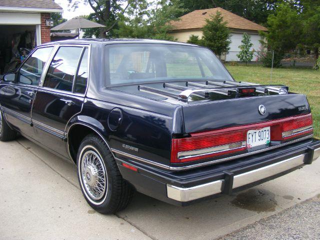 1990 Buick LeSabre SLT 25