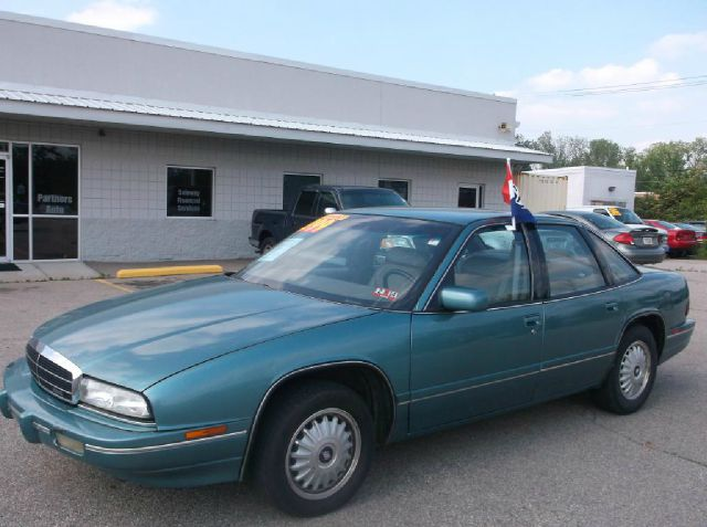 1993 Buick REGAL SLE 2WD Coupe