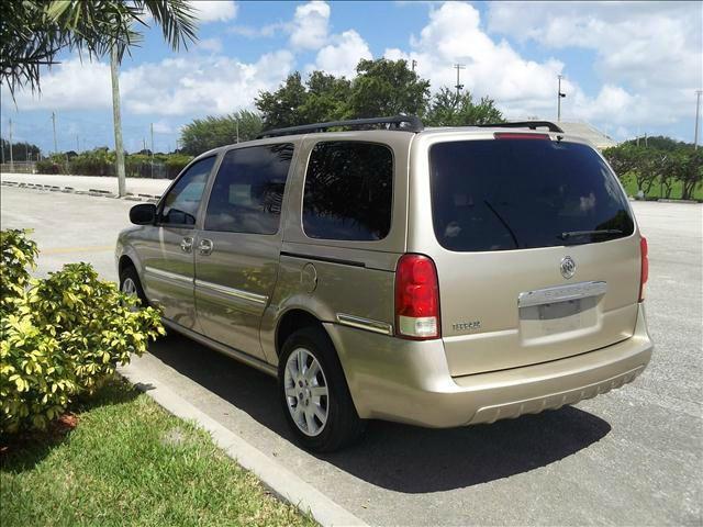 2005 Buick Terraza GS 460 Sedan 4D