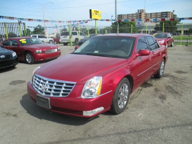 2006 Cadillac DTS T6 Sport Utility 4D