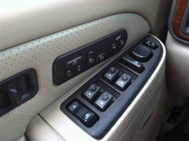 2003 Cadillac Escalade EX - DUAL Power Doors