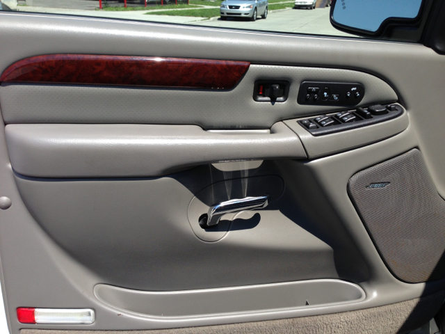 2006 Cadillac Escalade EX - DUAL Power Doors