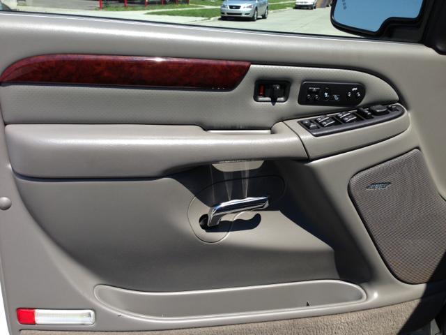 2006 Cadillac Escalade EX - DUAL Power Doors