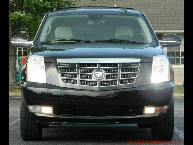2007 Cadillac Escalade LS Flex Fuel 4x4 This Is One Of Our Best Bargains