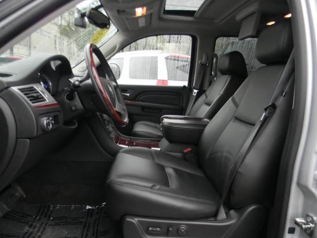 2014 Cadillac Escalade GLS PZEV