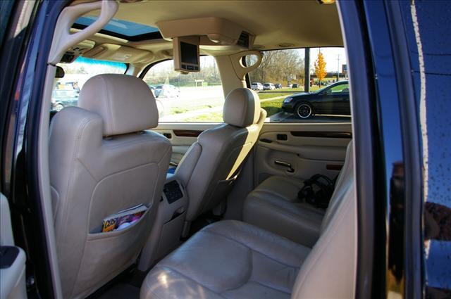 2005 Cadillac Escalade ESV Unknown