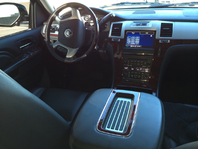 2013 Cadillac Escalade ESV GT WITH Leather And Sunroof