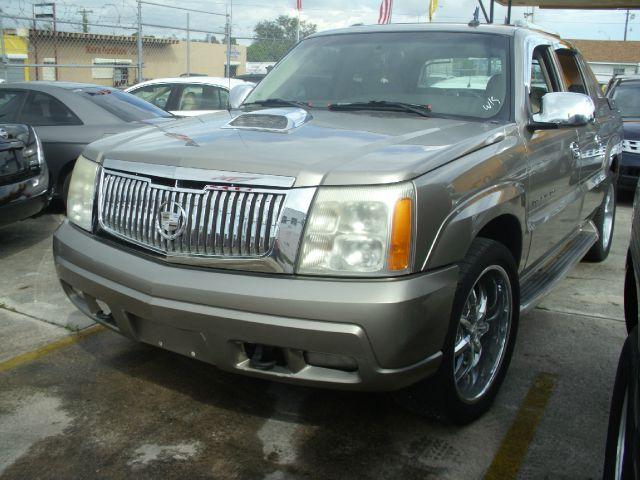 2002 Cadillac Escalade EXT Tech With Rear Entertainment