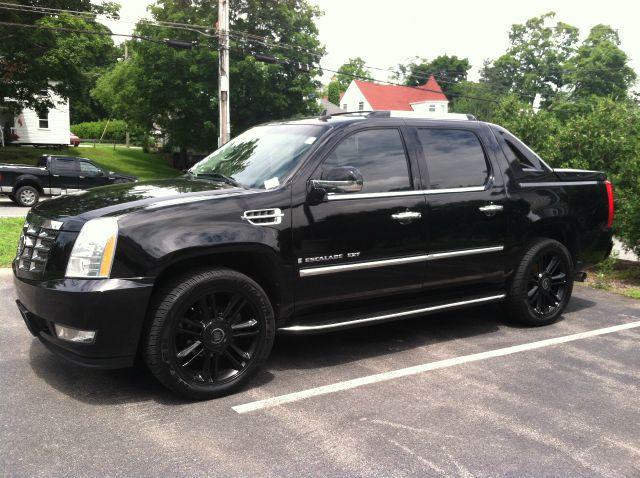 2007 Cadillac Escalade EXT Tech With Rear Entertainment