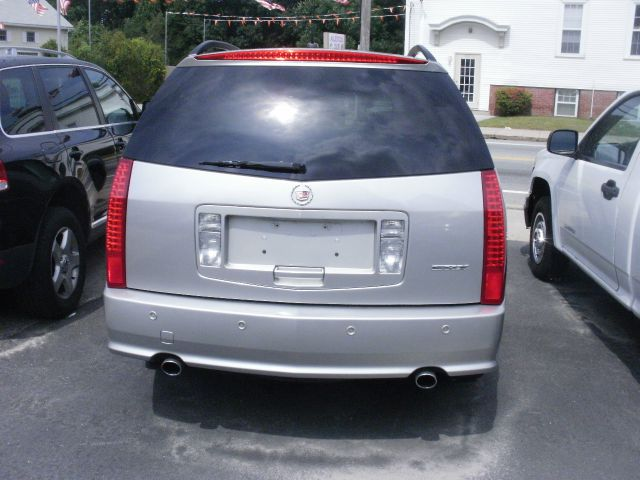 2005 Cadillac SRX Red Line