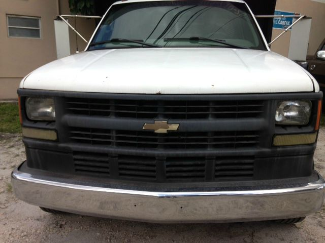 2001 Chevrolet 3500 ALL Wheel Drive - NEW Tires