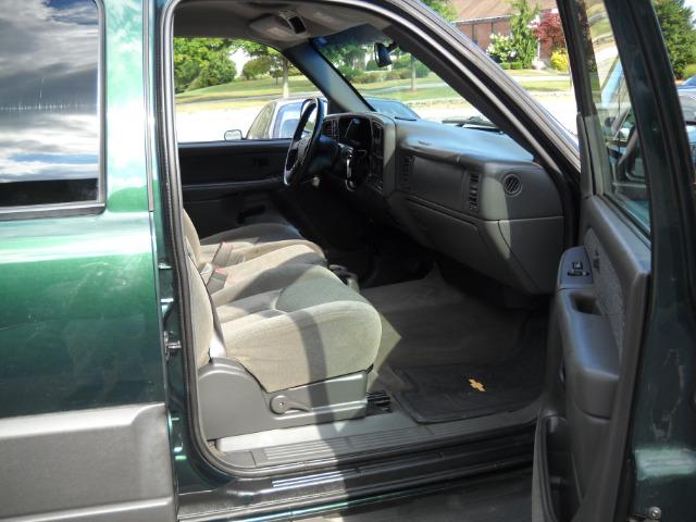 2004 Chevrolet Avalanche C350 4dr Sdn 3.5L Sport RWD Sedan