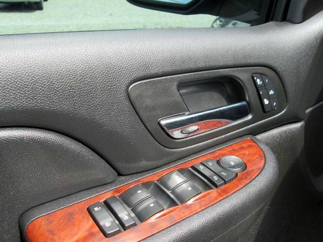 2008 Chevrolet Avalanche 29