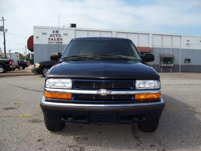 2000 Chevrolet Blazer Camry LE