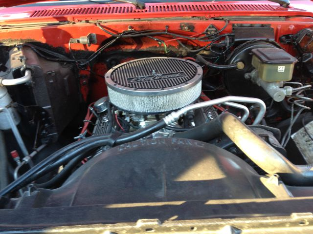 1986 Chevrolet C10 2004 4dr Sdn SE