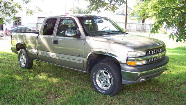 2000 Chevrolet C1500 Luxury RWD V6