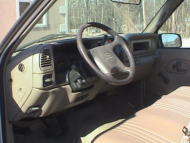 1998 Chevrolet C2500 4WD 4dr Sport