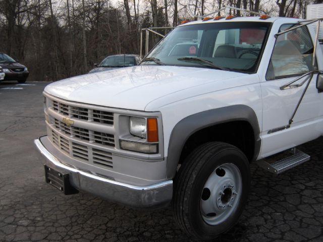 2000 Chevrolet C3500HD Lariat 4D Crew Cab Truck