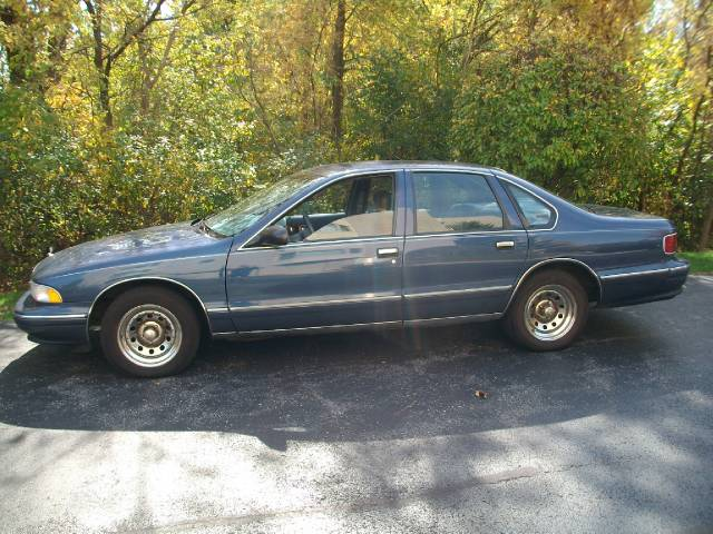 1996 Chevrolet Caprice Classic FWD 4dr S