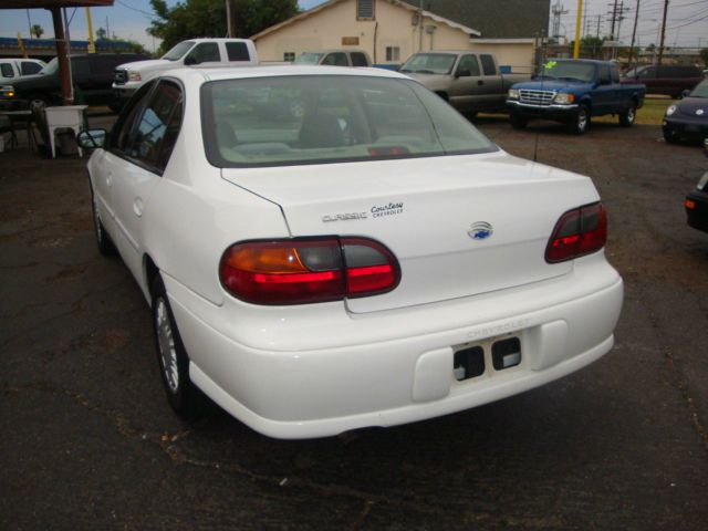 2004 Chevrolet Classic Touring 4WD