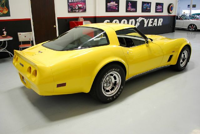 1980 Chevrolet Corvette LT. 4WD. Sunroof, Leather