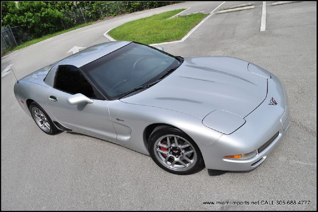 2002 Chevrolet Corvette R/T Sport Utility 4D