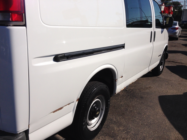 2000 Chevrolet Express Coupe 4D